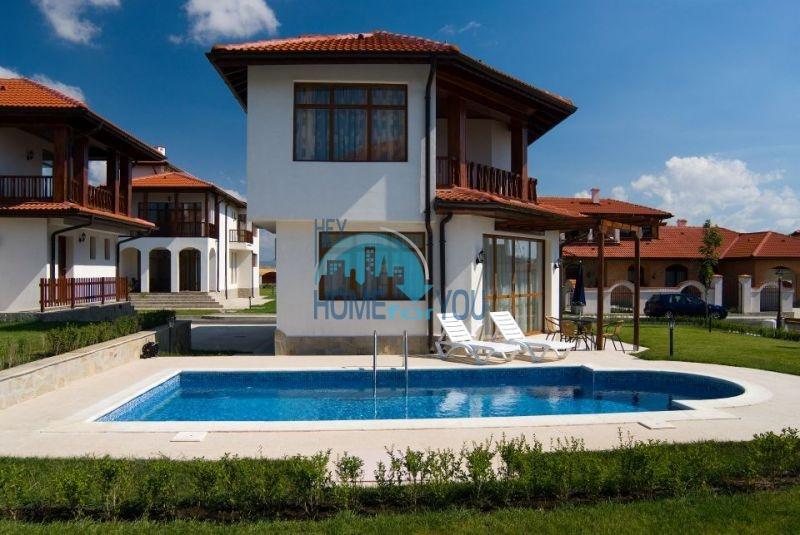 Дома у моря рядом с курортом Ахелой - Флорал Медоус 9