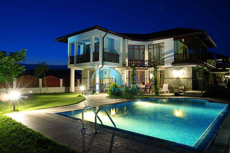 Дома у моря рядом с курортом Ахелой - Флорал Медоус 5