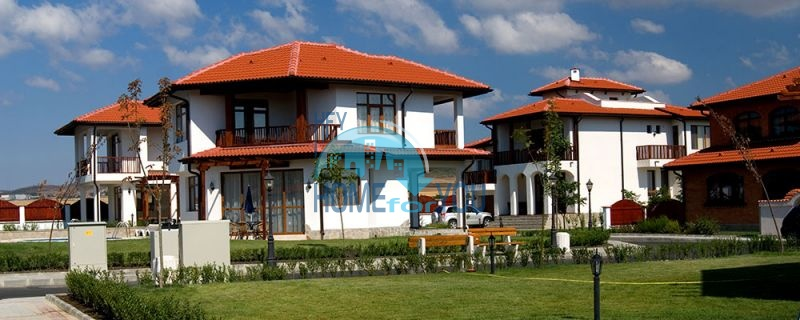 Дома у моря рядом с курортом Ахелой - Флорал Медоус 3