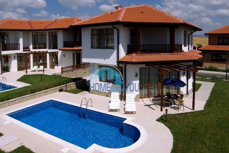 Дома у моря рядом с курортом Ахелой - Флорал Медоус 6