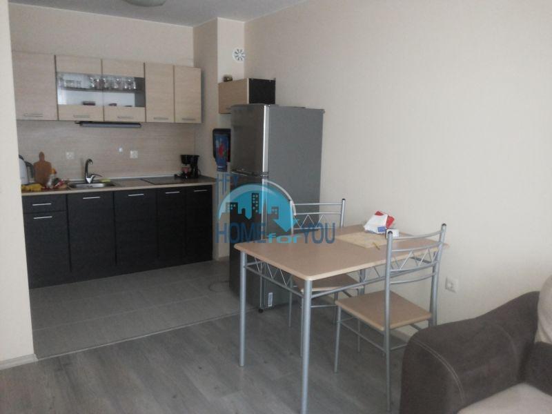 Просторная трехкомнатная квартира с мебелью в Равде 2
