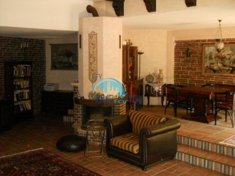 Большой дом с тремя спальнями на берегу моря в Варне, Бриз 6