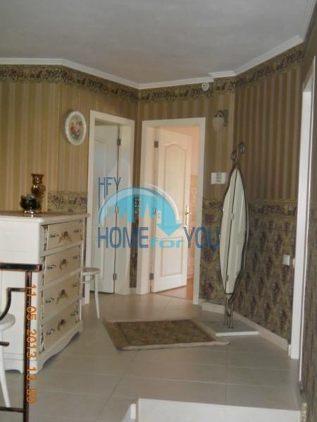 Большой дом с тремя спальнями на берегу моря в Варне, Бриз 7