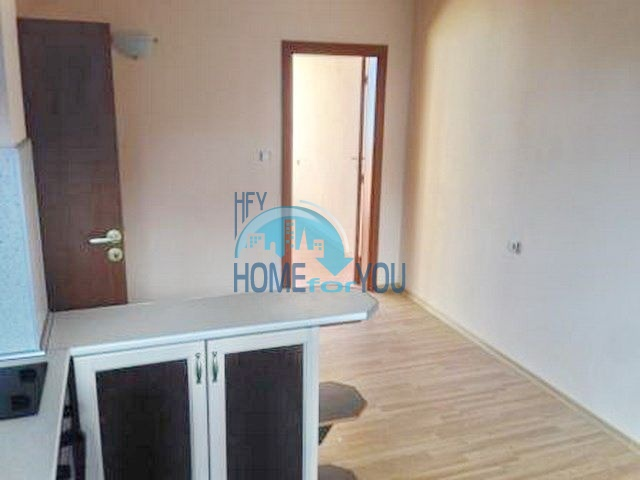 Меблированная двухкомнатная квартира в Банско 4
