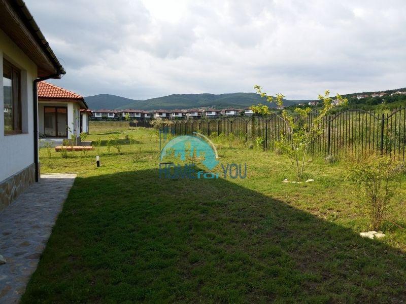Капитальные дома в местности Кошарица 8