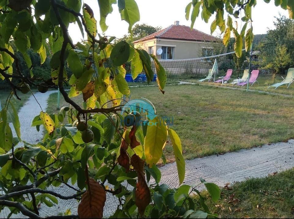 Бургас, село Подвис. Дом 98 кв.м для постоянного проживания с участком 1100 кв.м