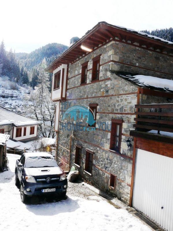 Трехэтажный дом на горном курорте Пампорово 5