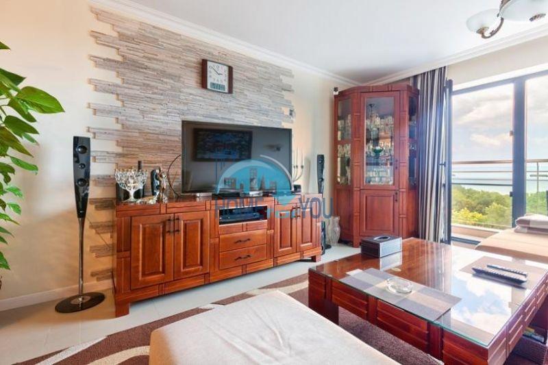 Элитная трехкомнатная квартира в районе Лазур, г. Бургас