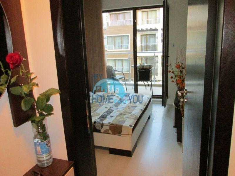 Первая линия -двухкомнатная квартира с мебелью в Созополе 3
