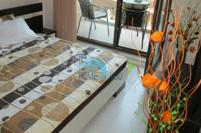 Первая линия -двухкомнатная квартира с мебелью в Созополе 4