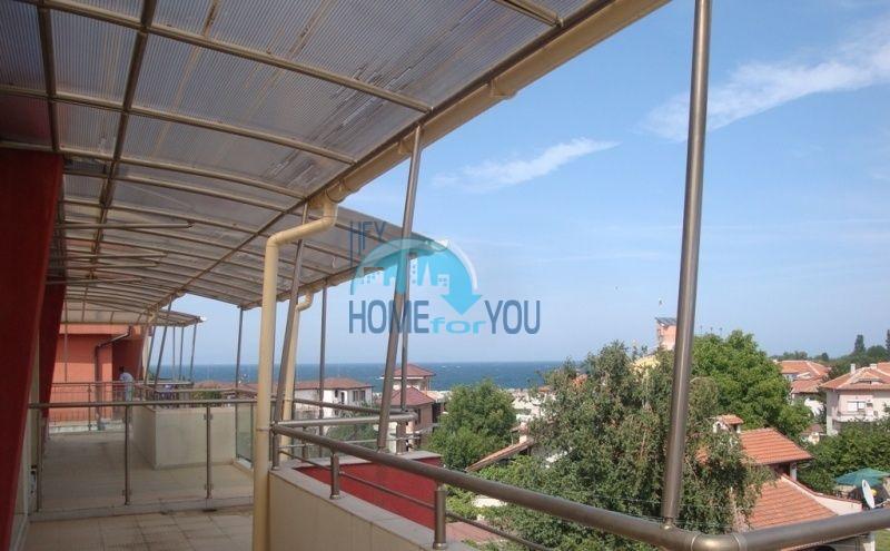 Большая двухкомнатная квартира с видом на море в Черноморце 3