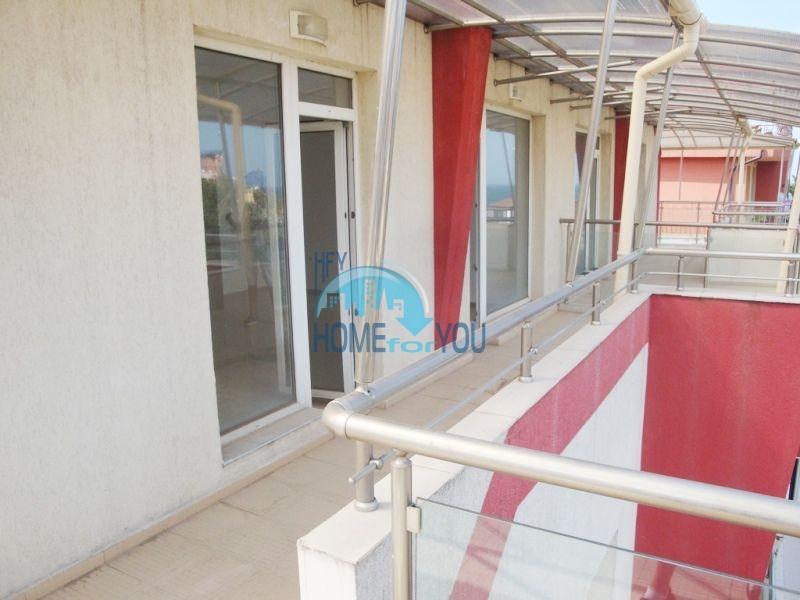 Большая двухкомнатная квартира с видом на море в Черноморце 4