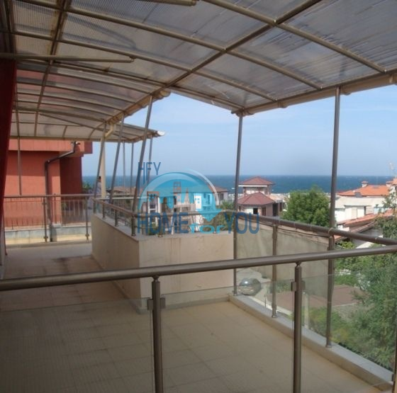 Большая двухкомнатная квартира с видом на море в Черноморце 5