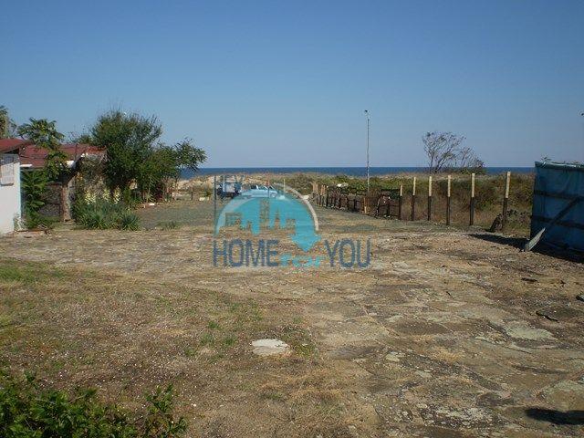 Земельный участок на первой береговой линии рядом с Приморско