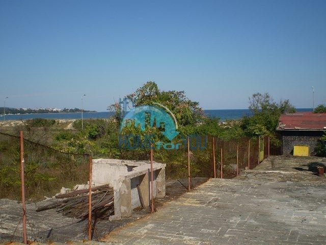 Земельный участок на первой береговой линии рядом с Приморско 8