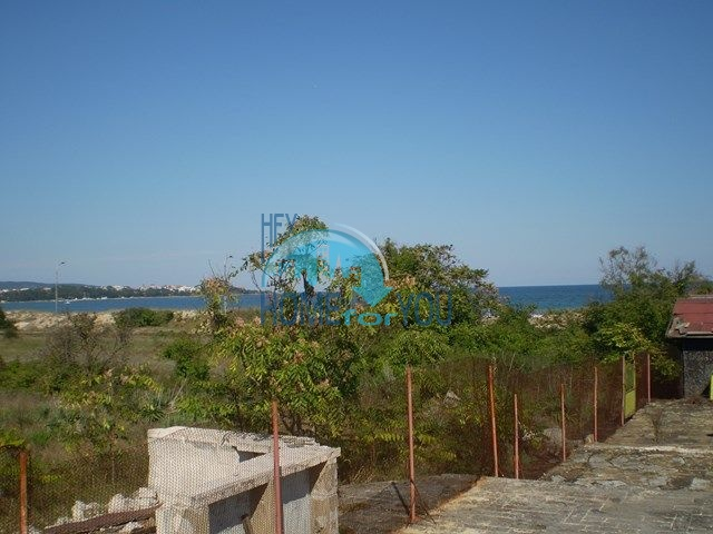 Земельный участок на первой береговой линии рядом с Приморско 9