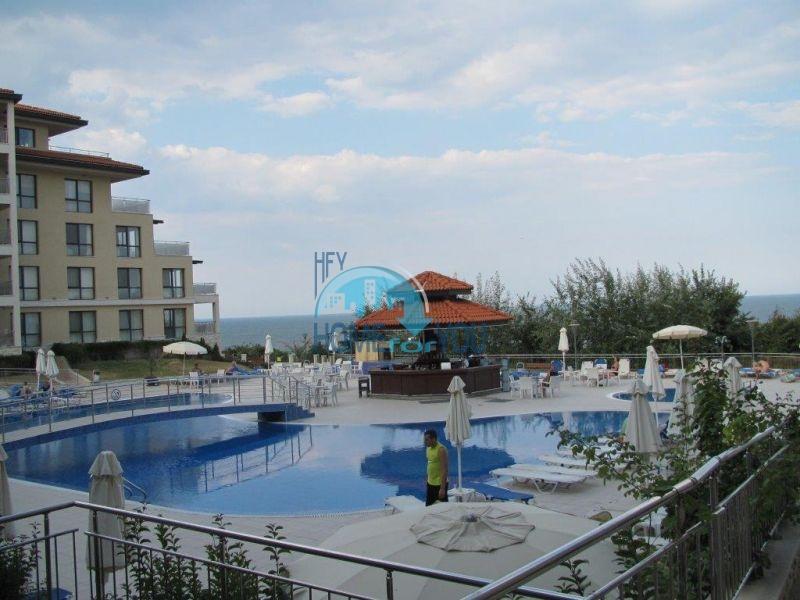 Квартира с прямым видом на море в городе Бяла на первой линии 10