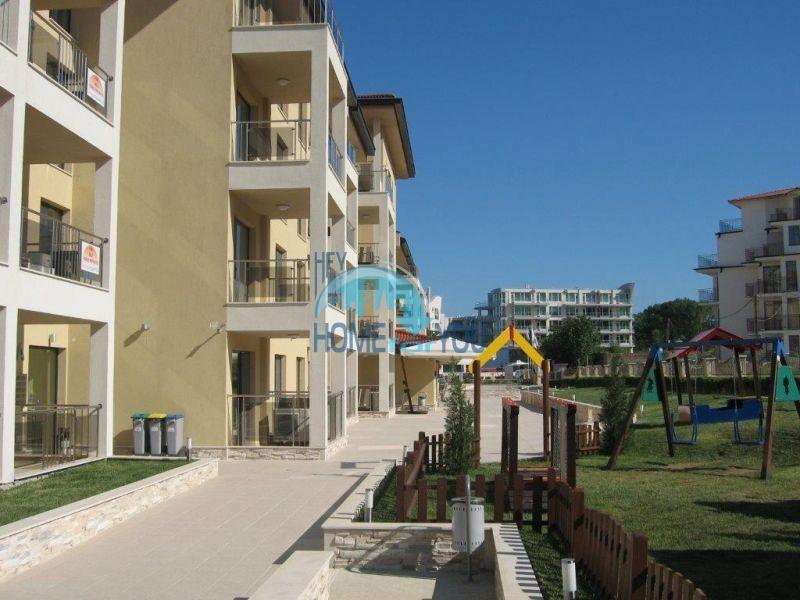 Квартира с прямым видом на море в городе Бяла на первой линии 11