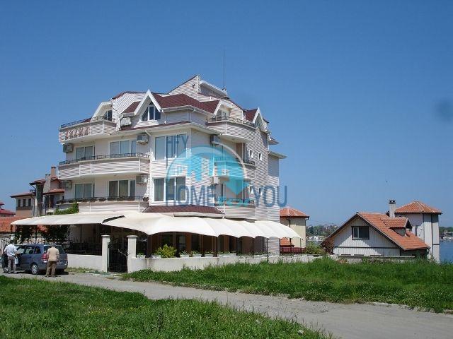 Трехкомнатная хорошая квартира в городе Царево - для ПМЖ