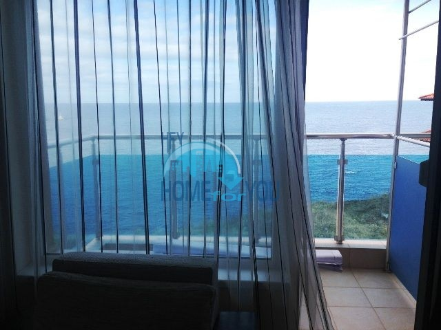 Меблированная квартира с видом на море в городе Царево  9