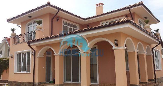 Новый современный дом у моря в Равде