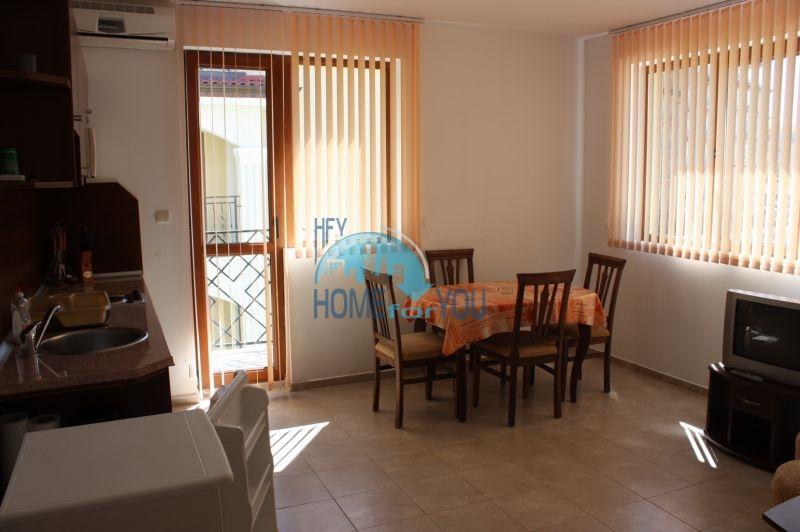 Большая двухкомнатная квартира в Равде