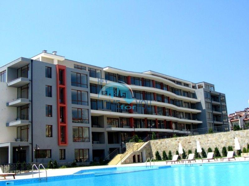 Просторные апартаменты с видом на море и горы в комплексе на первой береговой линии Святого Власа 9