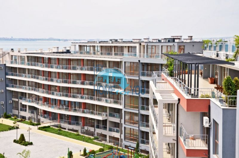 Просторные апартаменты с видом на море и горы в комплексе на первой береговой линии Святого Власа 8