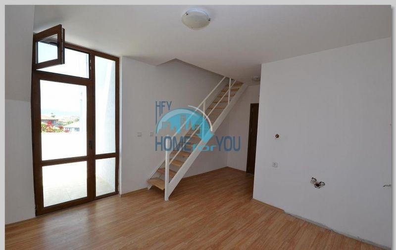 Двухуровневая квартира по доступной цене в Равде 3