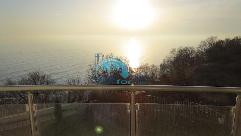 Первая линия - двухкомнатная квартира с панорамным видом на море в Святом Власе 8