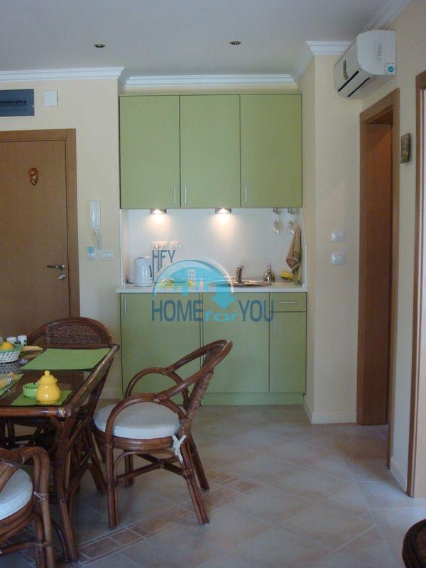 Двухкомнатная квартира с мебелью на первой линии - Санта Марина 12