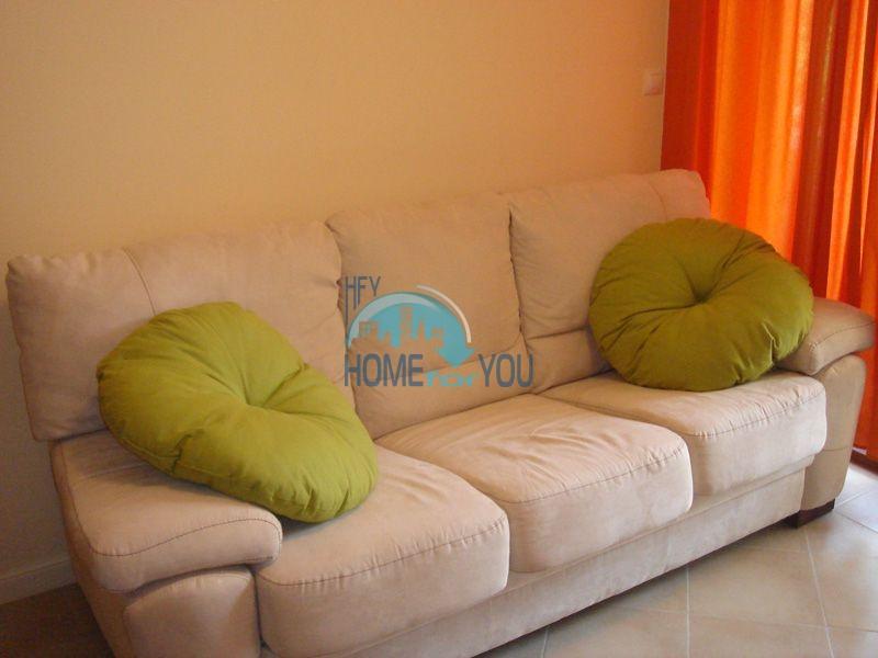 Двухкомнатная квартира с мебелью на первой линии - Санта Марина 10