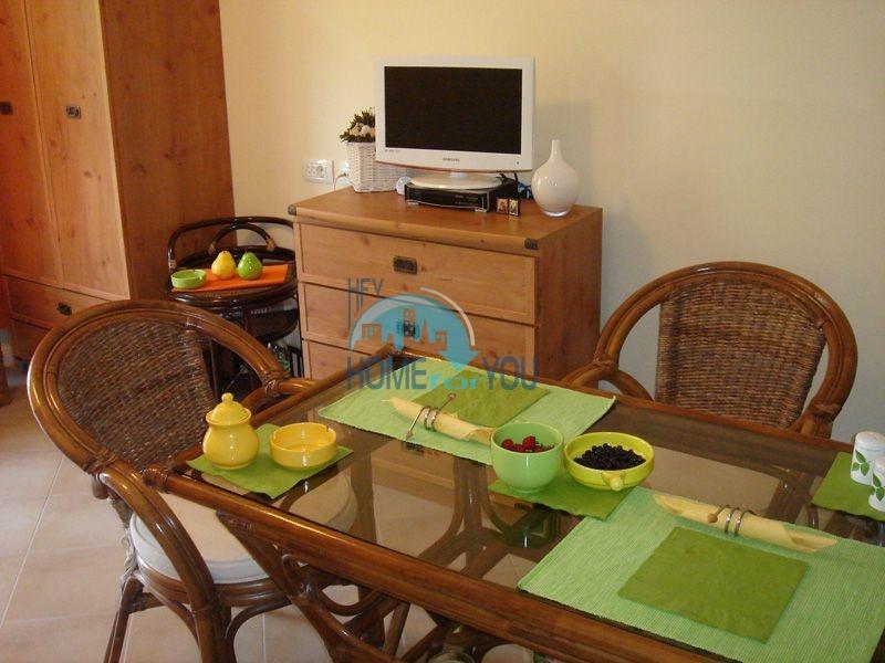 Двухкомнатная квартира с мебелью на первой линии - Санта Марина 7