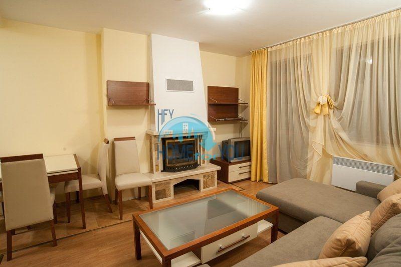 Прекрасная двухкомнатная квартира в Пампорово на первой линии от трассы 5