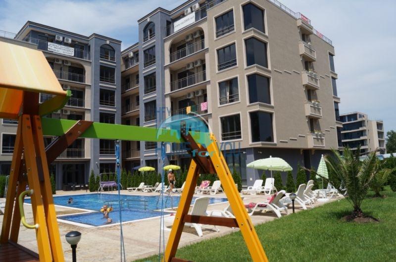 Просторная трехкомнатная квартира с большой террасой в центре курорта Солнечный берег 22