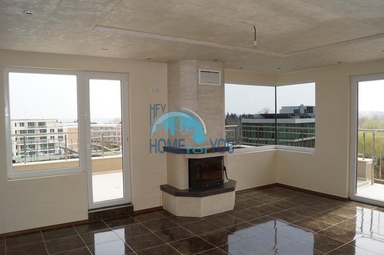 Просторная трехкомнатная квартира с большой террасой в центре курорта Солнечный берег