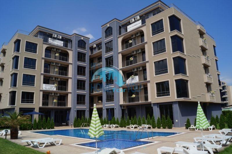Просторная трехкомнатная квартира с большой террасой в центре курорта Солнечный берег 23