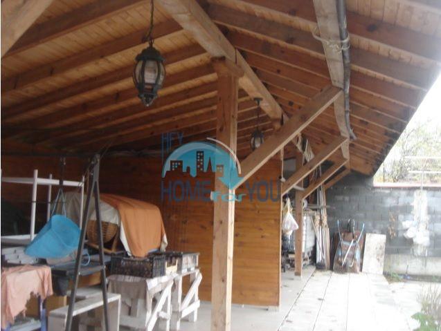 Большой качественный дом в селе Каменар 5