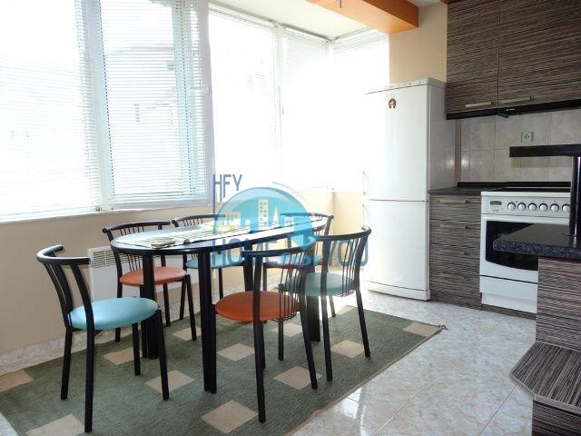 Меблированная трехкомнатная квартира для проживания в Благоевграде 4