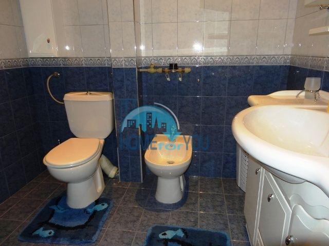 Меблированная трехкомнатная квартира для проживания в Благоевграде 8