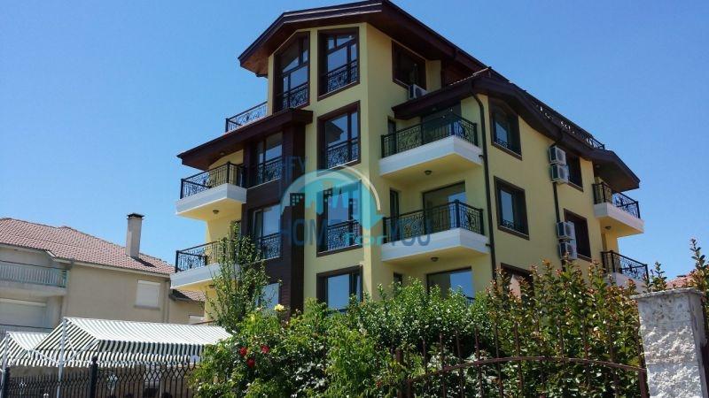 Элитные квартиры на первой линии в Равде - выгодно