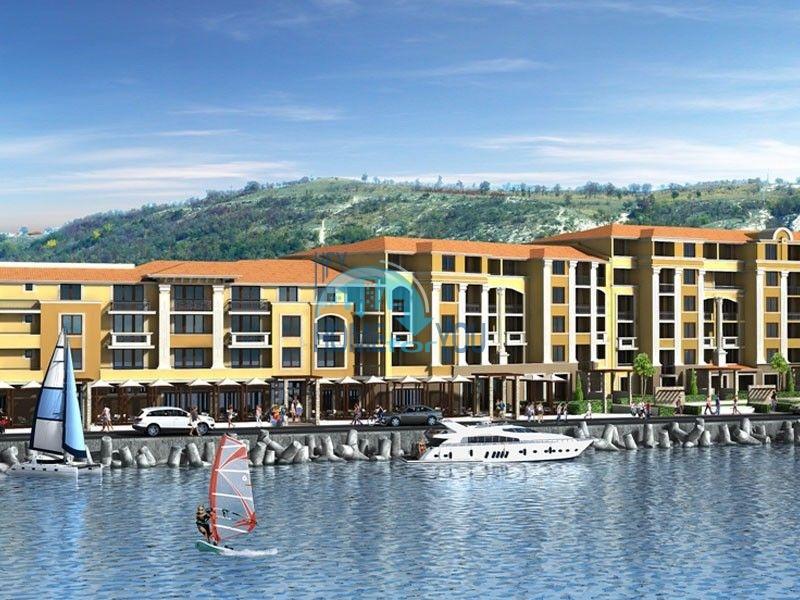 Апартаменты в шикарном комплексе на первой береговой линии в Балчике 2