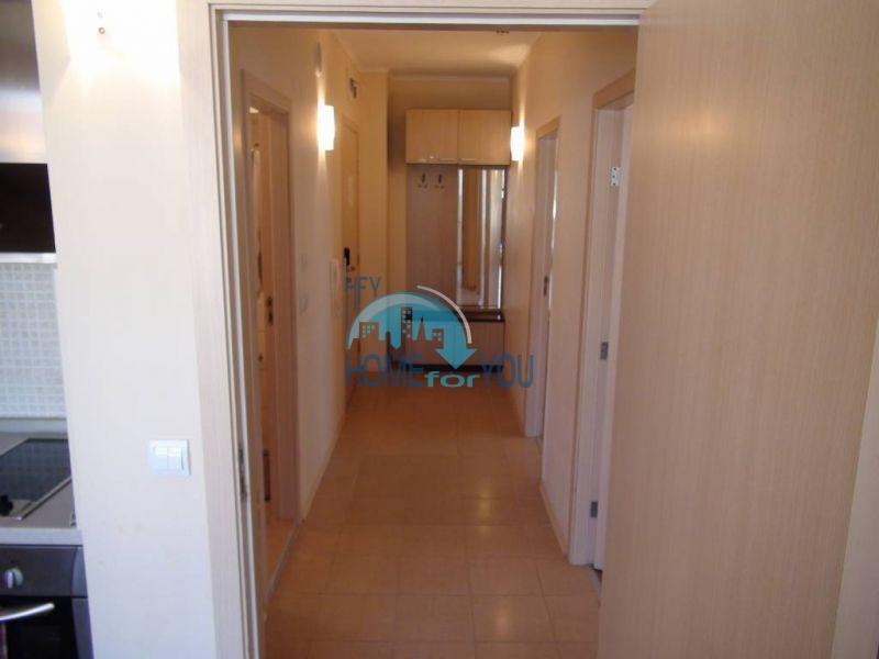 Трехкомнатная квартира с шикарным видом на первой линии в Обзоре 9