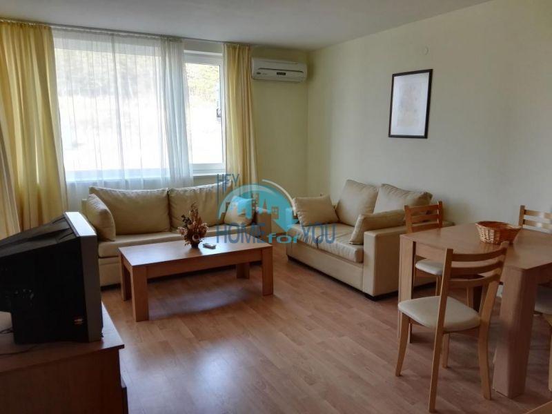 Недорогая квартира с видом на море в Елените