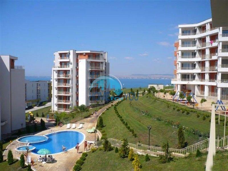 Недорогая квартира с видом на море в Елените 18