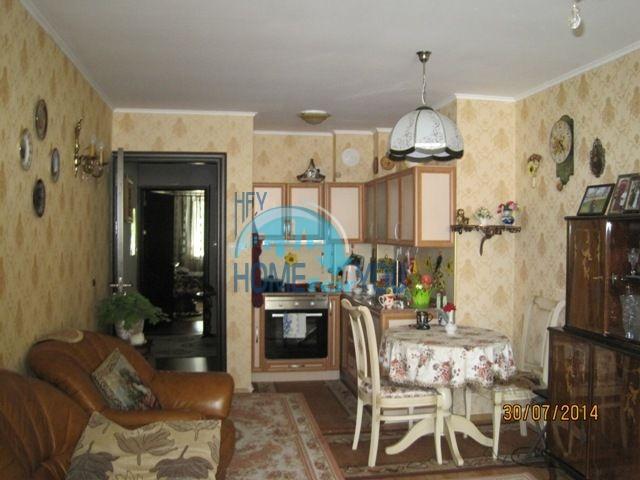 Двухкомнатная квартира для ПМЖ в центре Велинграда 5