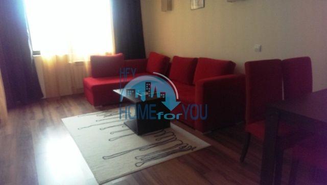 Меблированная трехкомнатная квартира в горах Банско