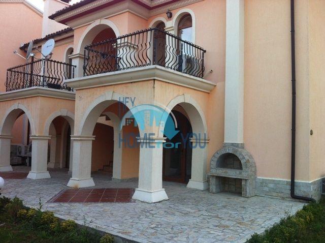 Продажа меблированной квартиры в курорте Елените