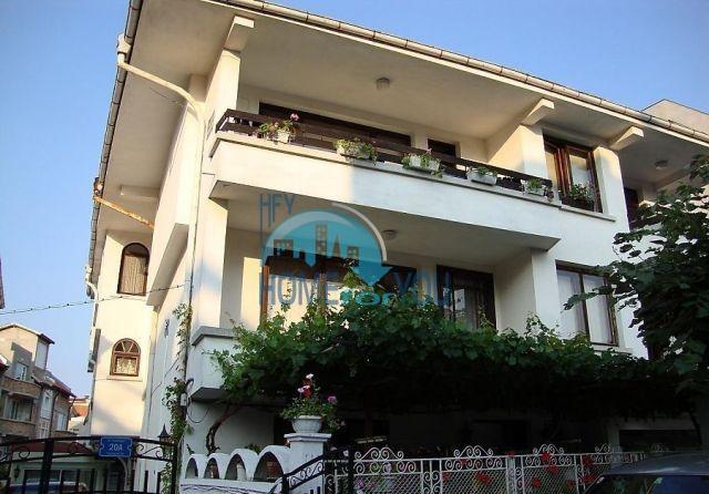 Просторная квартира на второй береговой линии в городе Созополь
