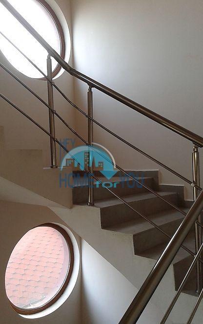 Недорогая квартира на первой линии моря в Царево 13